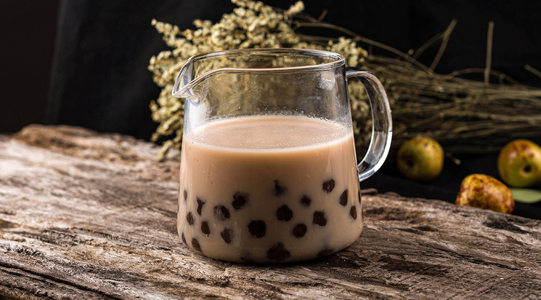 LATTE WITH BOBA