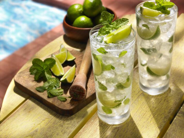 35 Poolside Cocktails
